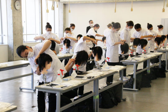 美容師国家試験100%全員合格しました。